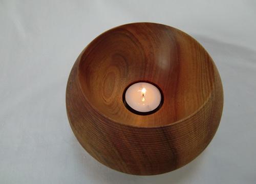 Svečnik iz češnjevine