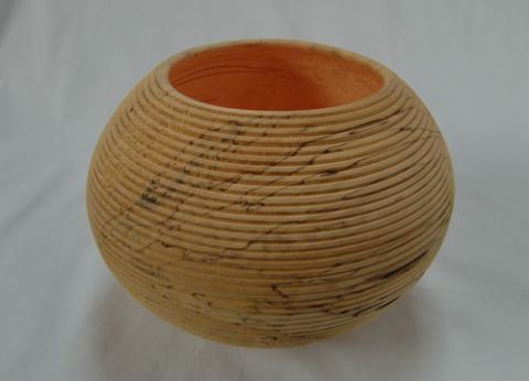Gefäß aus Birkenholz